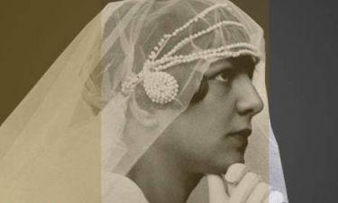 30 ιστορίες από νυφικό μετάξι σε μια έκθεση με γοητεία αλλοτινών καιρών