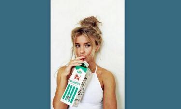 5 τρόποι να ανανεώσεις το top bun στο καθημερινό σου hairstyle