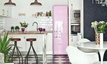 Φούρνος μικροκυμάτων και ψυγείο: Πως και πότε πρέπει να τα καθαρίζουμε;