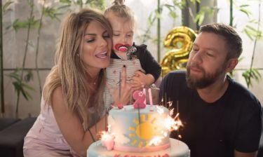 Γιάννης Βαρδής-Νατάσα Σκαφίδα: Γιόρτασαν τα γενέθλια της κόρης του στη Λήμνο