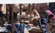 Έλλη Κοκκίνου: Πρώτες βουτιές στην παραλία-Οι αρετουσάριστες φωτογραφίες
