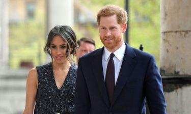 5 λάθη που έκανε το Παλάτι και ο Harry στη διαχείριση του γάμου του με τη Meghan Markle