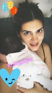 Σταματίνα Τσιμτσιλή: Κρατά στην αγκαλιά το νεογέννητο και… βλέπει Happy Day!