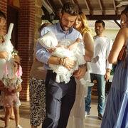 Η παρουσιάστρια βάφτισε την κόρη της - Ιδού οι πρώτες φωτό