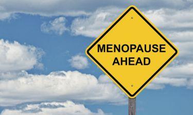Πώς θα αποφύγετε την απώλεια ύψους μετά την εμμηνόπαυση