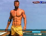 Survivor 2: Παραλίγο να μας τα δείξει όλα ο Θεοδωρόπουλος