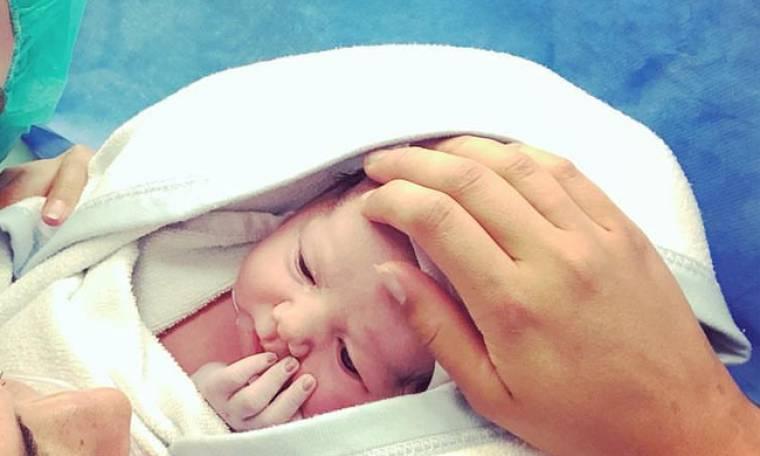 Νικητής της Eurovision έγινε μπαμπάς και προορίζει το παιδί του για τον διαγωνισμό του... 2038!