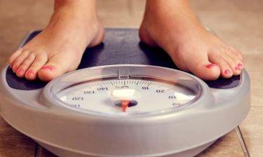 Το μεγάλο λάθος που κάνεις με τη ζυγαριά και δεν σου δείχνει τα πραγματικά σου κιλά