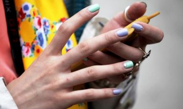 Nail color trend: Το χρώμα που θα λατρέψεις για το καλοκαιρινό σου μανικιούρ