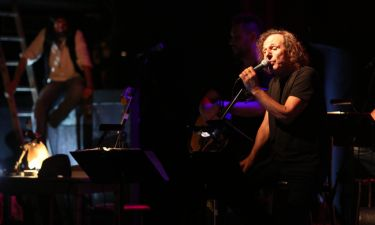 Βασίλης Παπακωνσταντίνου: «Όταν δεν θα µπορώ να τραγουδήσω πια, θα γράφω τραγούδια για άλλους»