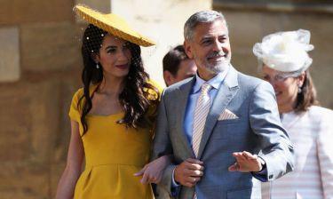 H Amal Clooney με φουσκωμένη κοιλιά άvαψε τις φήμες ότι είναι έγκυος ξανά!