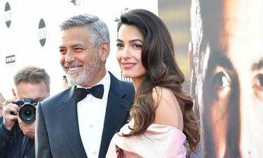 Το τρυφερό φιλί του George Clooney και της Amal κάνει τον γύρο του διαδικτύου