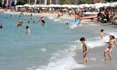 Οι 323 παραλίες της Αττικής: Ποιες είναι καθαρές και ποιες ακατάλληλες για κολύμπι