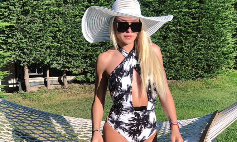 Power of love: Η Στέλλα Μιζεράκη έριξε το instagram με το αποκαλυπτικό μαγιό της