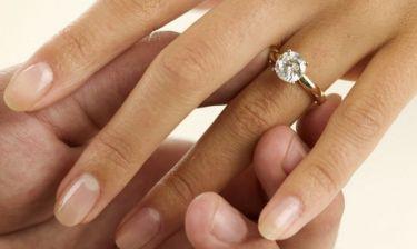 Ενάμιση μήνα μετά τον χωρισμό της, αρραβωνιάστηκε τον νέο της σύντροφο