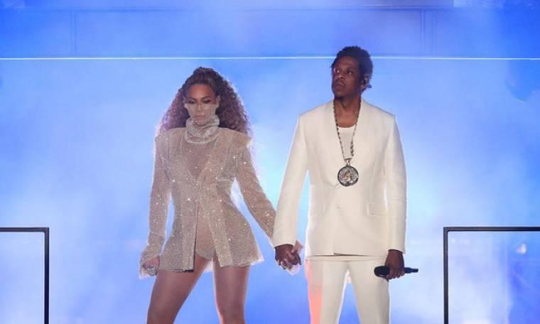 Τα δίδυμα της Beyonce έγιναν ενός έτους και η star τους ευχήθηκε on stage