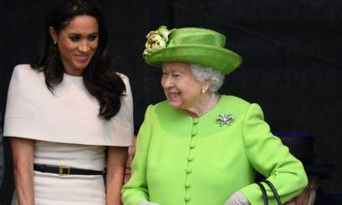 Η Δούκισσα Meghan και η Βασίλισσα Ελισάβετ, μόλις απέφυγαν να κάνουν ένα τρομερό βασιλικό παράπτωμα