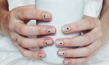 Το λατρέψαμε: Dotty manicure ή αλλιώς *βούλες στα καλοκαιρινά μας νύχια*