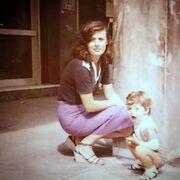 Δεν φαντάζεστε την ομοιότητα της Ζέτα Μακρυπούλια με τη μητέρα της στα νιάτα της!