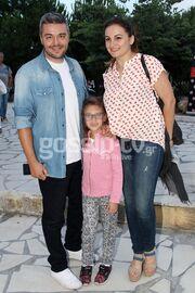 Ο Πέτρος Πολυχρονίδης και τα κορίτσια του!