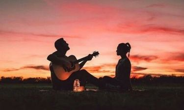 Πρώτο ραντεβού: 5 ενδείξεις ότι όντως σε θέλει