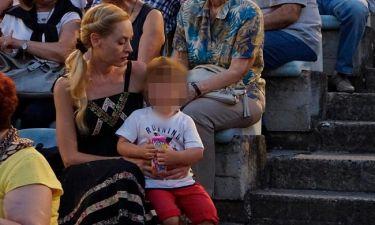 Φαίη Ξυλά: Στην πρεμιέρα του Κωνσταντίνου Γιαννακόπουλου με τον τρίχρονο γιο