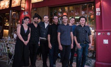 Calexico: Τρελό κέφι και αυτόγραφα πριν την μεγάλη τους συναυλία στο Ηρώδειο