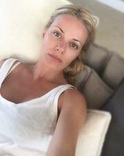 Ζέτα Μακρυπούλια: Βλέπει Μουντιάλ και βγάζει selfie