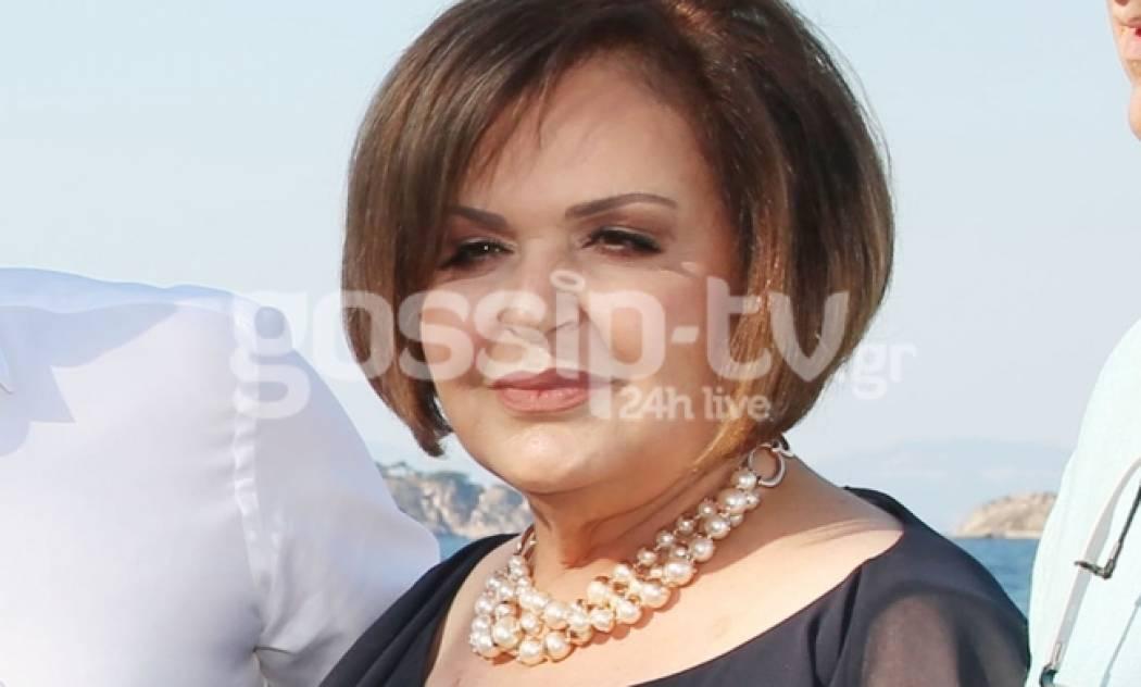 Είναι μητέρα Έλληνα τραγουδιστή
