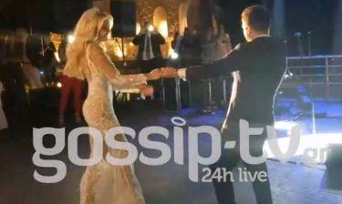 Γάμος Παναγιώταρου-Γιαννόπουλου: Η συγκίνηση στον χορό με τους γονείς και η έκπληξη του γαμπρού!