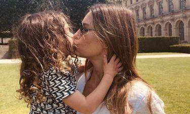 Jessica Biel: Η αγκαλιά και το τρυφερό φιλί με τον γιο της στο Παρίσι
