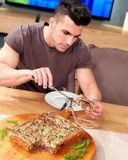 Ο Δημήτρης Δράκος στην κουζίνα του «Splash»