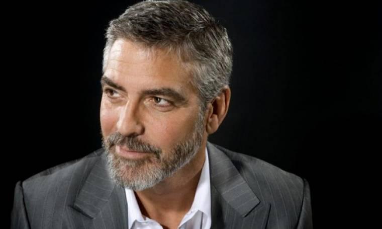 Σοβαρό τροχαίο για τον George Clooney. Μεταφέρθηκε άμεσα στα επείγοντα