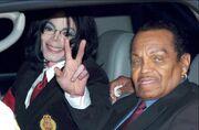 Σοκαριστικές αποκαλύψεις για τον πατέρα του Μάικλ Τζάκσον: Ευνούχισε τον γιο του με χημικά