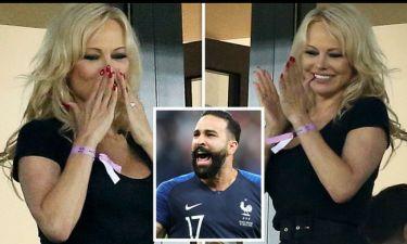 Μουντιάλ 2018: Η Pamela Anderson στο πλευρό του Adim Rami πανηγύρισε την νίκη της Γαλλίας