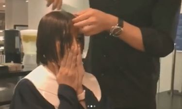 Η συγκινητική στιγμή που ηθοποιός κόβει τα μαλλιά της λόγω καρκίνου και ξεσπά σε κλάματα