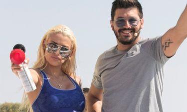 «Σκάσε & Κολύμπα»  με την Στέλλα Μιζεράκη και τον Πάνο Ζάρλα