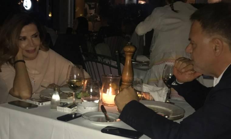 Μιμή Ντενίση: Τι αποκαλύπτει για τις φήμες που τη θέλουν ζευγάρι με τον επιχειρηματία Γιάννη Κεντ;