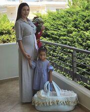 Ζέτα Θεοδωροπούλου: Η πρώτη τρυφερή φωτό μετά την έξοδό της από το μαιευτήριο