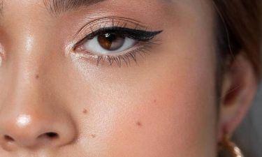Ο πιο εύκολος τρόπος για να πετύχεις σωστά τη γραμμή του eyeliner