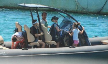 Μενεγάκη-Παντζόπουλος: Το φωτογραφικό άλμπουμ των διακοπών τους στα Κουφονήσια με σκάφος!