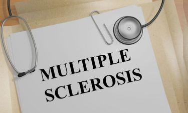Σκλήρυνση κατά πλάκας: Τα συμπτώματα που «προειδοποιούν» έως και 5 χρόνια πριν