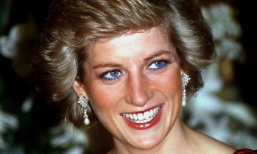 H Lady Diana έβαλε πριν από 30 χρόνια τα γυαλιά οράσεως που θέλουμε όλες σήμερα