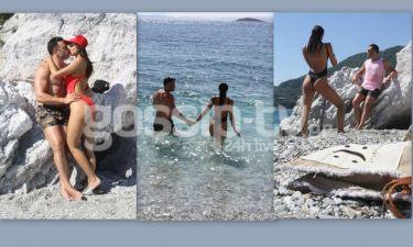 Ερωτευμένοι στην Σκόπελο. Οι βουτιές, οι τρυφερές στιγμές στην παραλία και οι… πόζες στον φακό