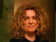 Έλενα Σολωμού: «Επαγγελματίες παραμυθατζήδες είμαστε οι σεναριογράφοι»