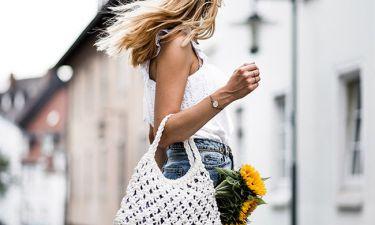 Crochet Bag: Δες πώς να κρατήσεις την πιο hot τσάντα του καλοκαιριού