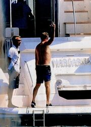 Tom Hanks: Διακοπές στην Αντίπαρο με την ελληνικής καταγωγής σύζυγό του
