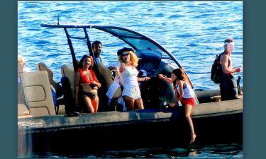 Η Ελένη, ο Μάκης, τα παιδιά και οι βόλτες με το σκάφος