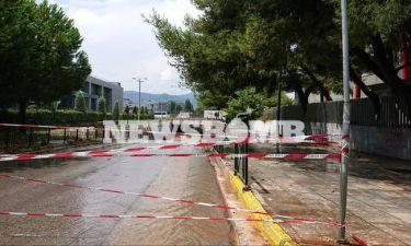 ΕΚΤΑΚΤΟ: Κλειστοί δρόμοι στην Αττική από την ισχυρή καταιγίδα