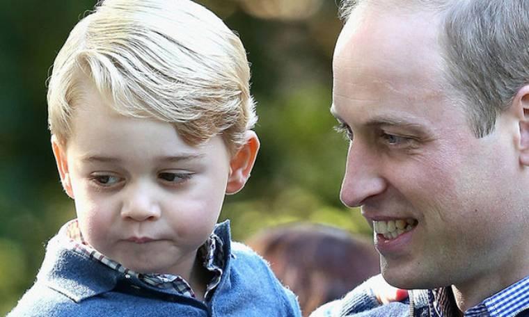 Είναι απίστευτο πόσο μοιάζει ο πρίγκιπας William με το γιο του πρίγκιπα George! Δες την ομοιότητα